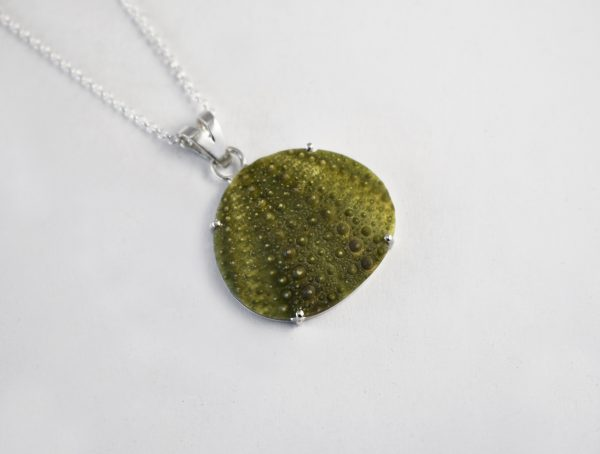 KJ110 Big Sea Urchin Necklace 1