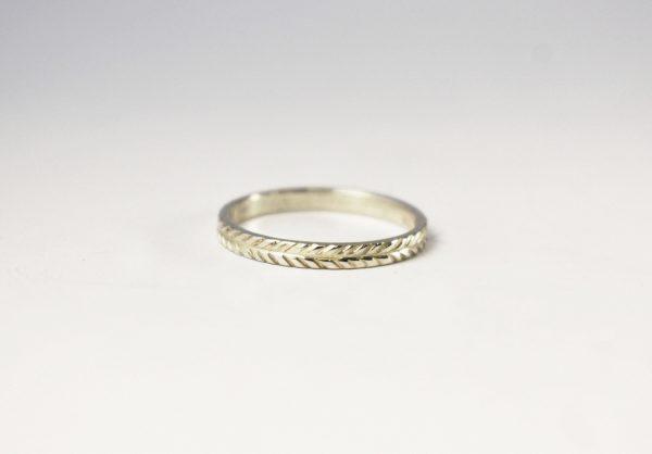 KJ404 Wreath Ring 1