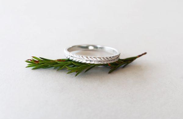 KJ404 Wreath Ring 2
