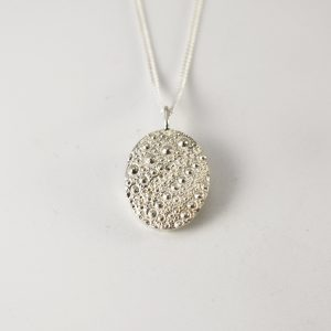 Sea Urchin Texture Oval Necklace