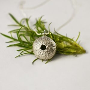 KJ115 Silver Sea Urchin Necklace 2