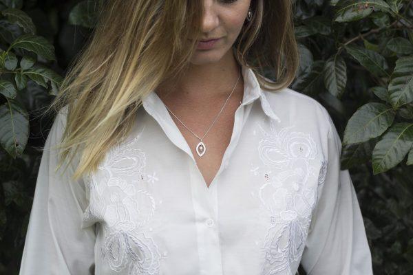 KJ204 Leaf Shimmer Pearl Necklace 3