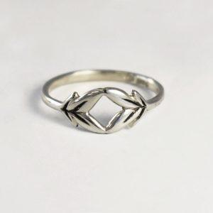 Floret Leafy Ring
