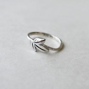 Leafy Fan Ring