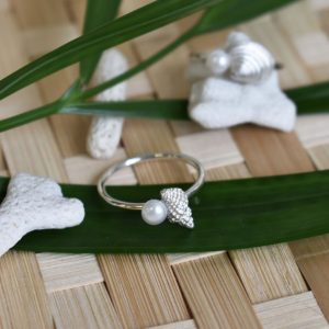 Baby Conch Pearl Ring